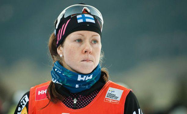 Laura Mononen on noussut takarivistä taistelemaan MM-viestipaikasta.