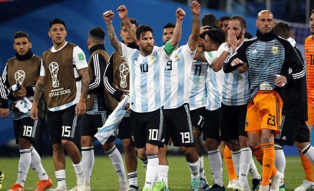 Argentiinalaiset olivat helpottuneita Nigeria-ottelun jälkeen.