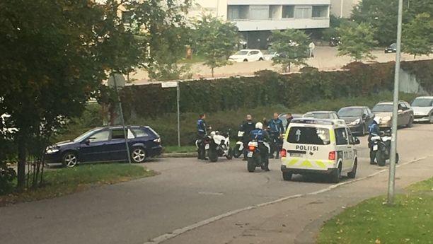 Poliisin takaa-ajama epäilty huumekuski jatkoi pakoaan jalan Helsingin Kivihaassa, ennen kuin viranomaiset tavoittivat epäillyn.