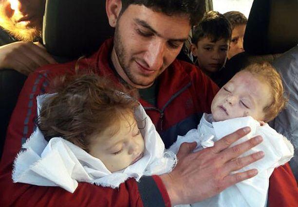 Aya ja Ahmed kuolivat myrkkykaasuiskussa.