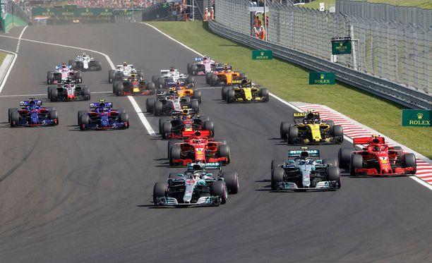 Lewis Hamilton oli F1-sirkuksen hallitsija juuri ennen kesätaukoa.