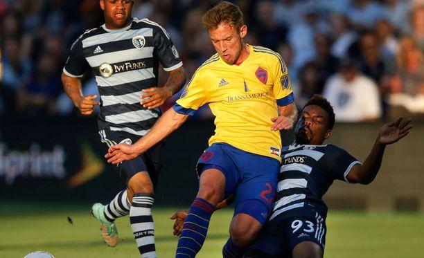 Colorado Rapidsin ja Kansas Cityn MLS-liigan ottelu keskeytyi vetisissä merkeissä.