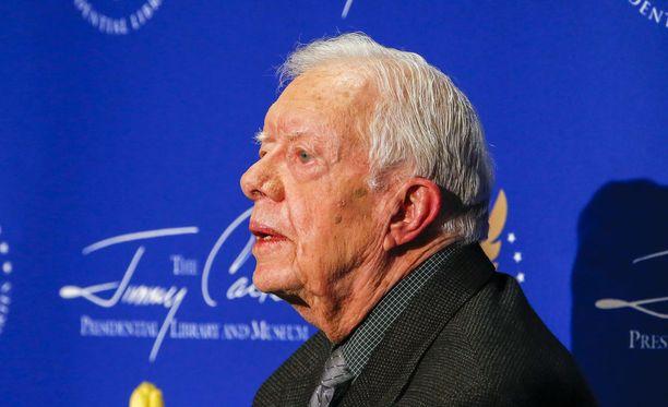 Jimmy Carter toimi Yhdysvaltojen presidenttinä vuosina 1977-1981. Hän luotsaa voittoa tavoittelematonta Carter Center -järjestöä, joka keskittyy muun muassa rauhantyöhön ja hyväntekeväisyyteen.