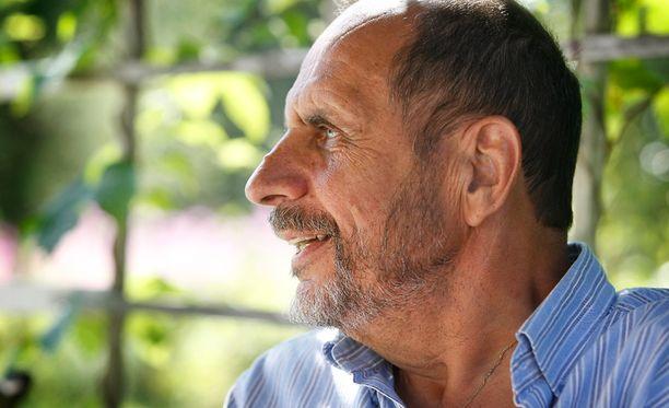 Skiftesvik tunnetaan mestarillisena kirjoittajana.