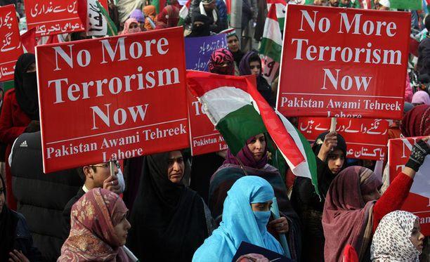 Pakistanissa osoitettiin mieltä sunnuntaina.