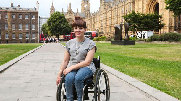 Ruth Madeley selvittää Prismassa myös vammaisten asemaa Isossa-Britanniassa.