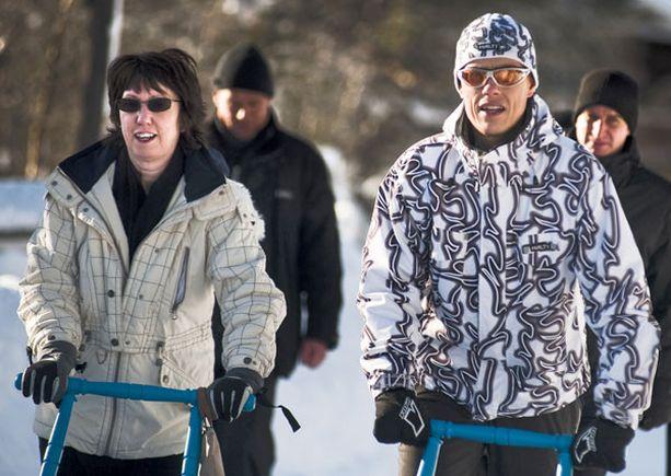 EU:n ulkoministeri Catherine Ashton ja Alexander Stubb tutustuivat Saariselkään potkukelkalla.