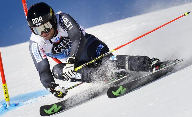 Marcus Sandell hurjasteli Sveitsin Alpeilla.