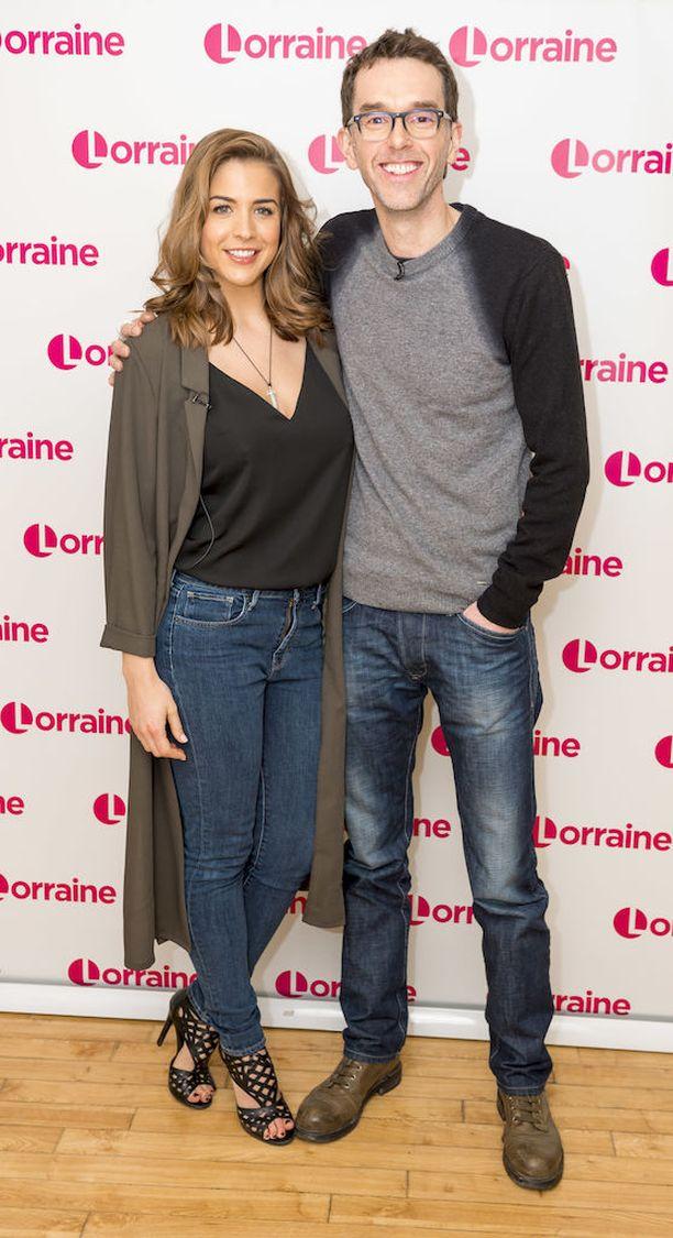 Gemma Atkinson ja Mark Charnock näyttelevät sarjassa sydänkäpysiä.