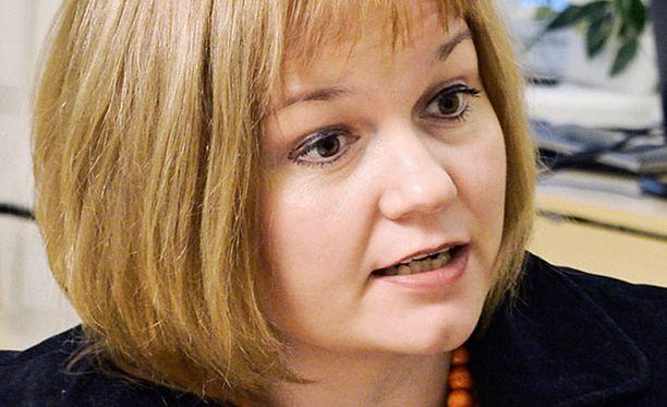 Asuntoministeri Krista Kiurulta odotetaan nyt järeitä toimia asuntopolitiikan järkevöittämiseksi.