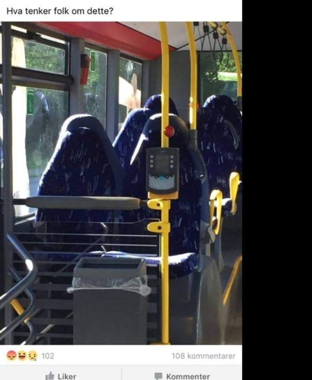 Nämä tyhjät bussinpenkit muuttuivat norjalaisten Isänmaa ensin -ryhmäläisten silmissä burkiin pukeutuneiksi terroristeiksi.