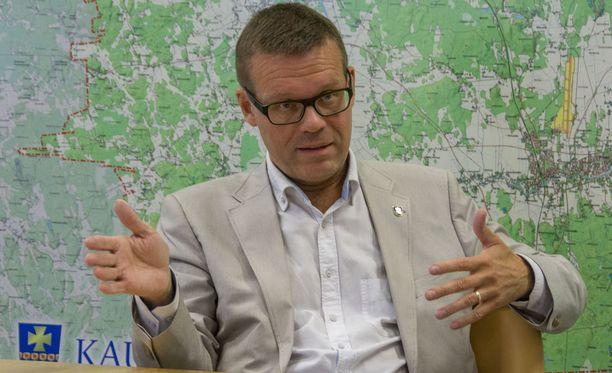 Kaupunginjohtaja Markku Lumion Kauhavalla kiehuu. Arkistokuva.