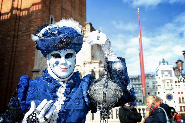 Napoleonin kieltämä karnevaaliperinne elvytettiin 1970-luvun lopussa.