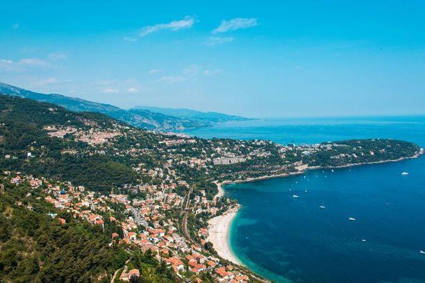 Ranskan Rivieralta löytyy myös tunntettuja rantakaupunkeja kuten Nizza, Cannes ja St. Tropez.