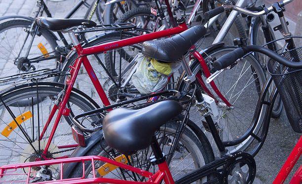 Poliisi on huolissaan koululaisten polkupyöriin kohdistuneen ilkivallan vaaroista. Kuvituskuva.