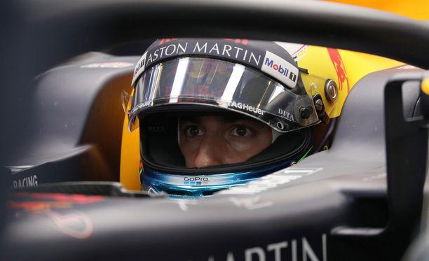 Daniel Ricciardoa kismitti se, että Itävallassa oli hänen vuoronsa toimia tuulenhalkojana.