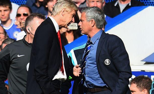 Arsene Wenger ja Jose Mourinho ovat ottaneet yhteen.