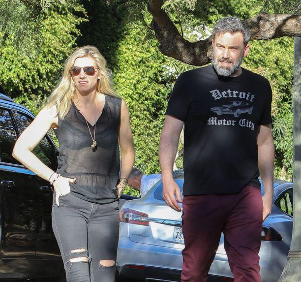 Lindsay Shookus ja Ben Affleck kiersivät luksusasuntoja tällä viikolla.