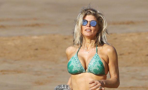 Fergie lomailee perheensä kanssa Havaijilla.