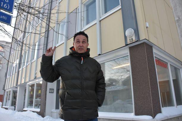 Simon Bitonin johtama yritys tarjoaa luksusmajoitusta rovaniemeläisessä asuinkerrostalossa.