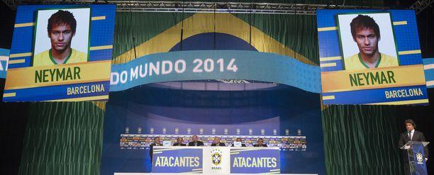 Brasilian luotsi Luiz Felipe Scolari julkaisi valintansa suuressa tiedotustilaisuudessa. Yksi valituista oli Barcelonan supertähti Neymar.