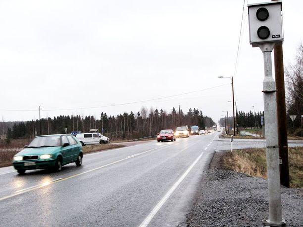 Valtatie 12:lla tapahtunut kolari vei tien kunnosta vastanneet henkilöt oikeuteen. Kuva ei liity onnettomuuteen.