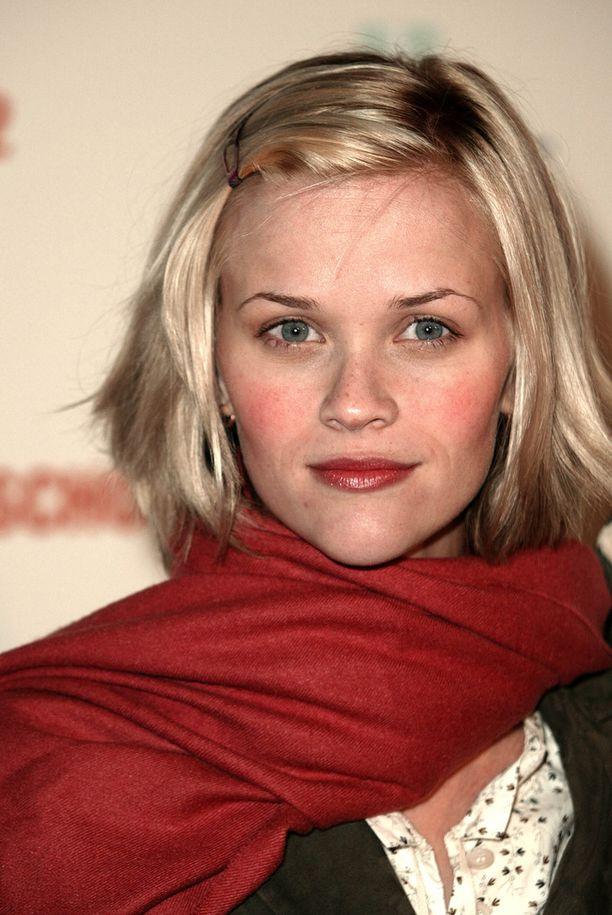 Vuonna 2006 Witherspoonin tyyli oli näin tyttömäinen.
