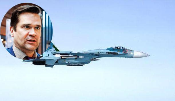 Taustalla oleva kuva lokakuulta 2016, jolloin Suomen ilmavoimat tunnisti venäläisen hävittäjän myöskin Porvoon edustalla.