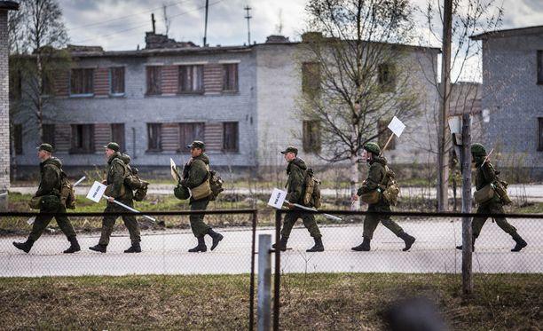 Venäjän ilmoitus avata Alakurtin tukikohta uudelleen noin 60 kilometrin päähän Suomen rajasta herätti hämmennystä lännessä. Asiantuntijoiden mukaan Alakurttiin sijoitetaan jopa 7 000 sotilaan joukot.