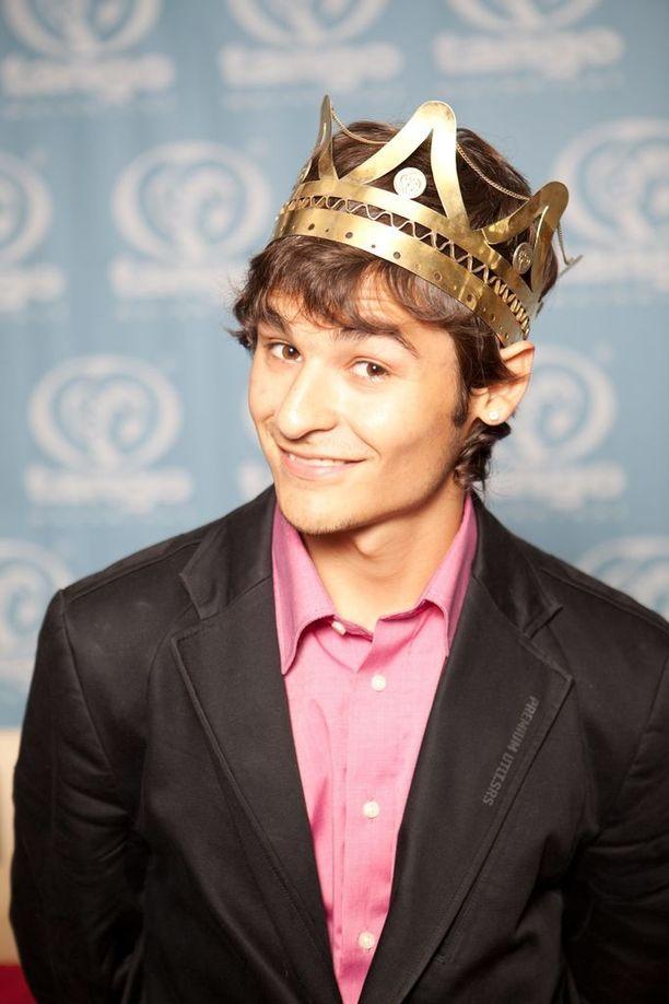 Nuori Amadeus voitti tangokuninkaan tittelin vuonna 2009.
