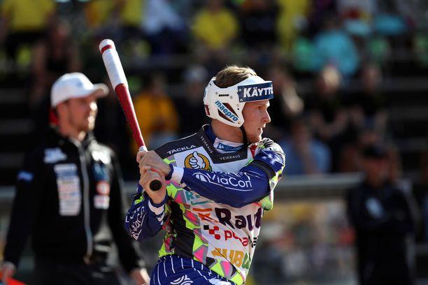 ViVen Perttu Ruuska piti pintansa Superpesiksen lyöjätilaston kärjessä tiistaina.