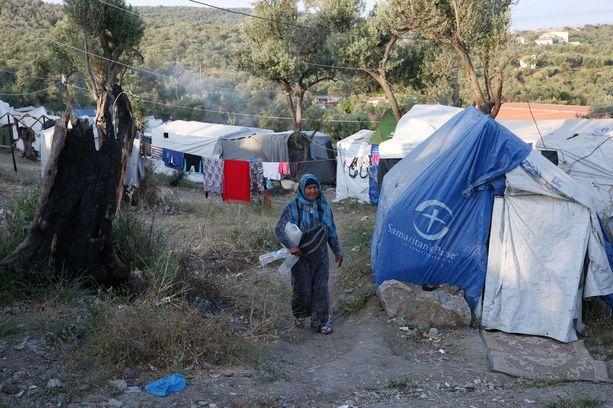 Morian pakolaisleirillä olosuhteet ovat epäinhimilliset. Alun perin 2 000 ihmiselle suunniteltuihin oloihin on ahdettu tällä hetkellä yli 8 000 ihmistä.