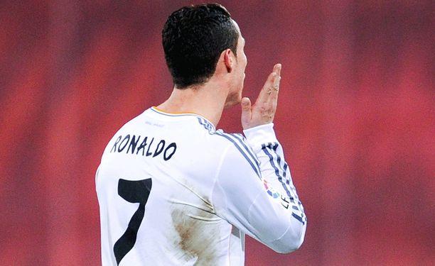 Cristiano Ronaldo kuittasi posken läpsimisestä kahden ottelun lisäpannan.
