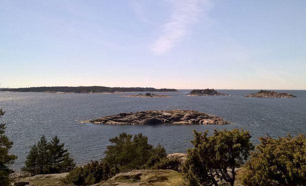 19-vuotias nainen joutui juhannuksena väkivaltaisen raiskauksen kohteeksi Korppoossa Turun saaristossa. Kuvituskuva.