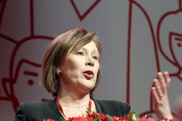Sipra Paatero on kommentoinut keskustelua Postin työntekijöiden palkoista.