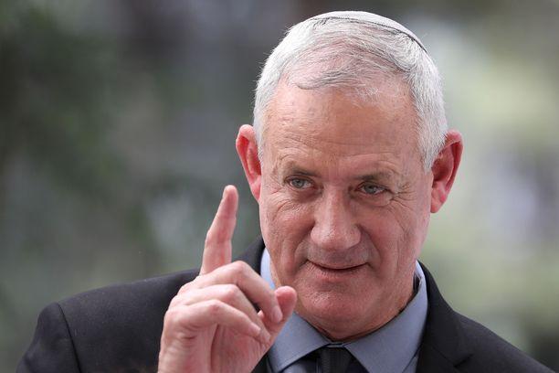 Israelin armeijan entinen komentaja Benny Gantz johtaa kenraalivetoista Sininen ja valkoinen -puoluetta.