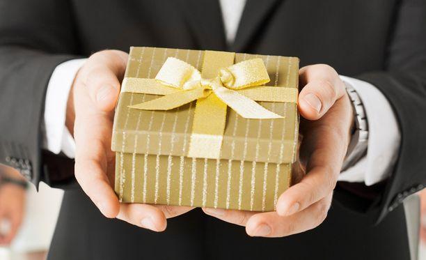 Tavara voi olla aivan turha lahja.