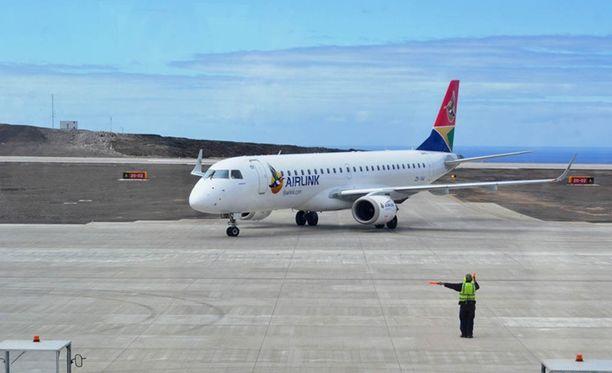 Koneet lentävät vajaalla matkustajamäärällä, jotta ne painaisivat vähemmän.