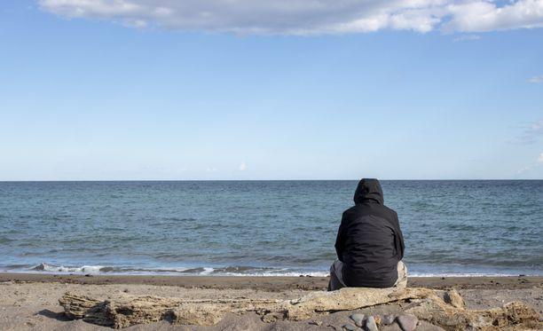 """""""On voimakas merkki, jos tekee mieli irtisanoa itsensä mieluummin kuin palata töihin"""", sanoo työpsykologi Annukka Merikallio."""