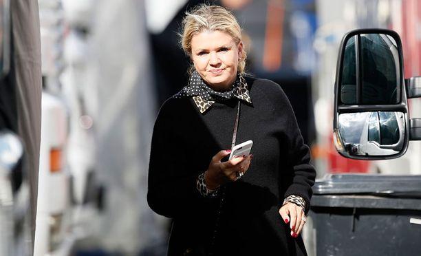 Corinna Schumacher pitää tiukasti miehensä Michaelin terveydentilan median ulottumattomissa.