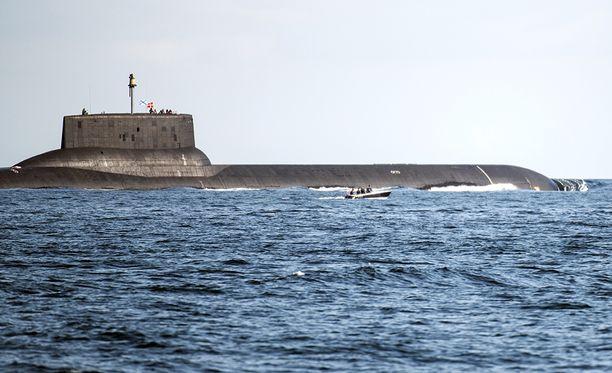 Dmitri Donskoi -sukellusvene on jättimäisen suuri.
