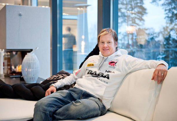 F1-venekuljettaja Sami Seliö joutui luottokorttihuijauksen kohteeksi.