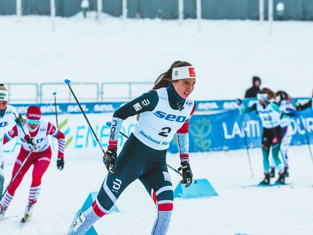 Kristine Stavås Skistad voitti sunnuntaina sprintin nuorten MM-kultaa Salpausselällä.