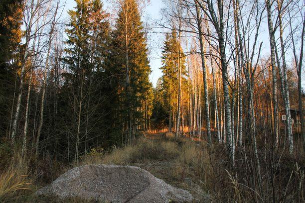 TIEN PÄÄ Tämän tien päästä alkaa reitti jyrkänteelle.