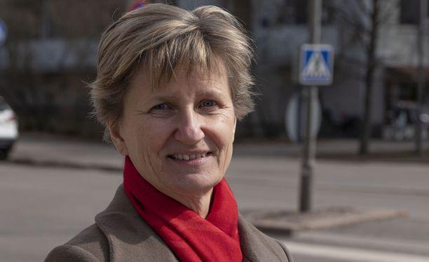 Eläkeläisten olisi syytä pitää itsestään meteliä, sanoo Minna Lindgren.