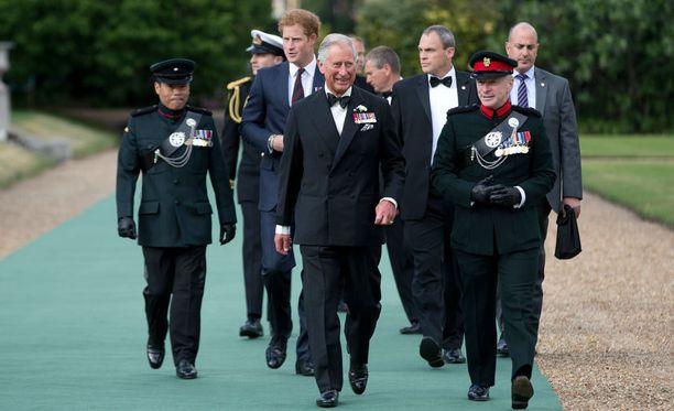 Juhlaan osallistuivat prinssi Harryn lisäksi myös muita kuningasperheen jäseniä.
