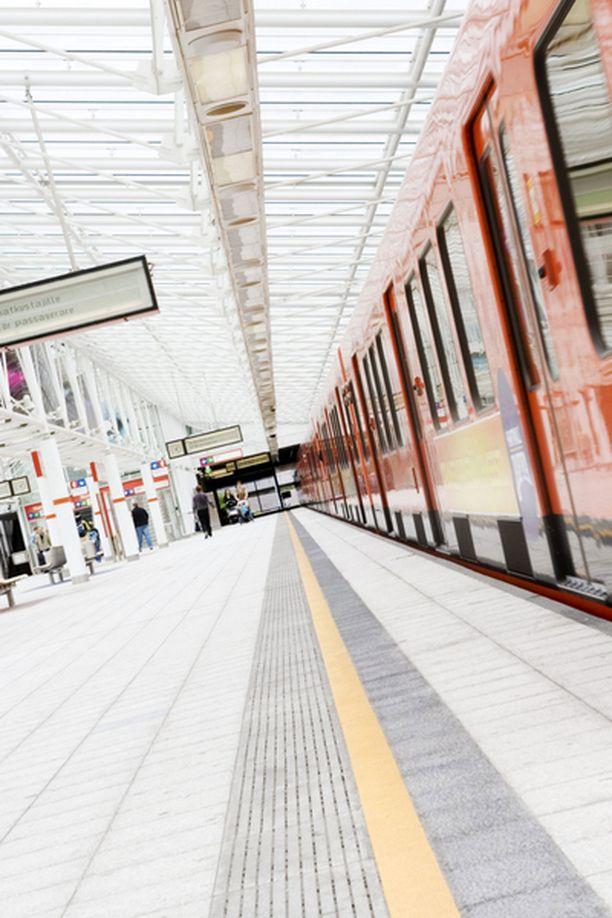 Espoon virkamiehet haluaisivat jatkaa metroa mahdollisimman pian Kivenlahteen asti.