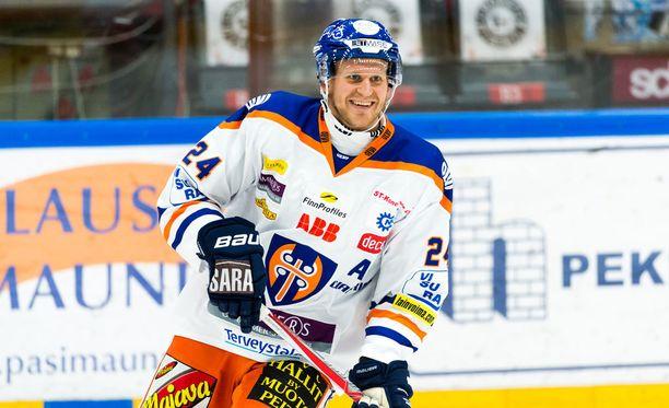 Jani Lajunen uhrasi mestaruusbileensä MM-kisojen vuoksi.