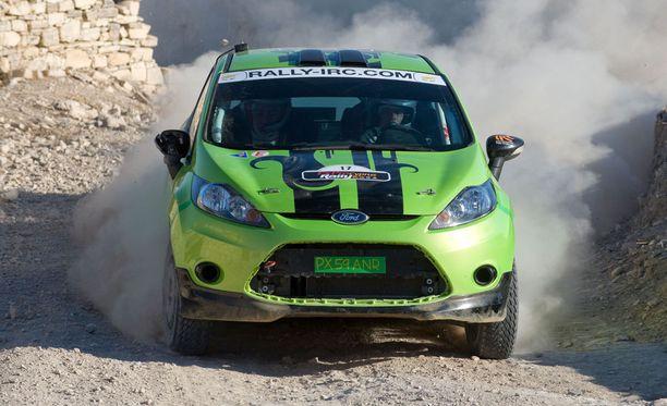 Fiesta toimii myös ralliautona. Kuva Kyproksen rallista vuodelta 2010,