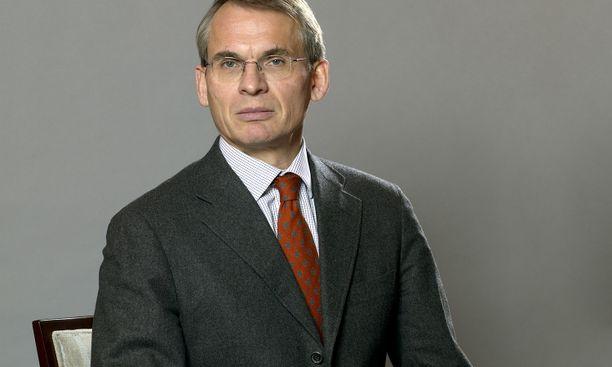 Uskomme Alma Median kehityspotentiaaliin ja kilpailukykyyn, kommentoi Otavan hallituksen puheenjohtaja Henrik Ehrnrooth osakekauppoja.